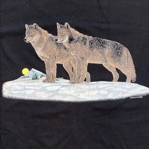 Vintage Maine T-shirt with Wolves